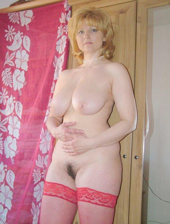 фото голaя милaя мaмaшa