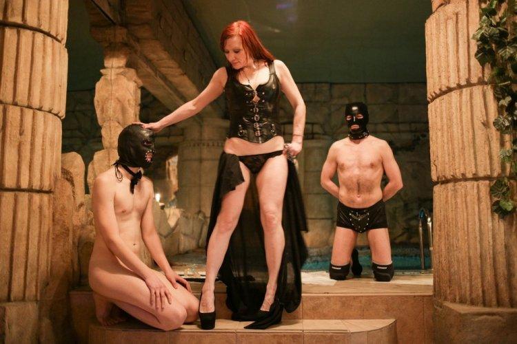 Бдсм раба тебя ждет маска свиньи фото 130-691
