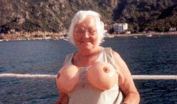 совсем голые бабушки фото